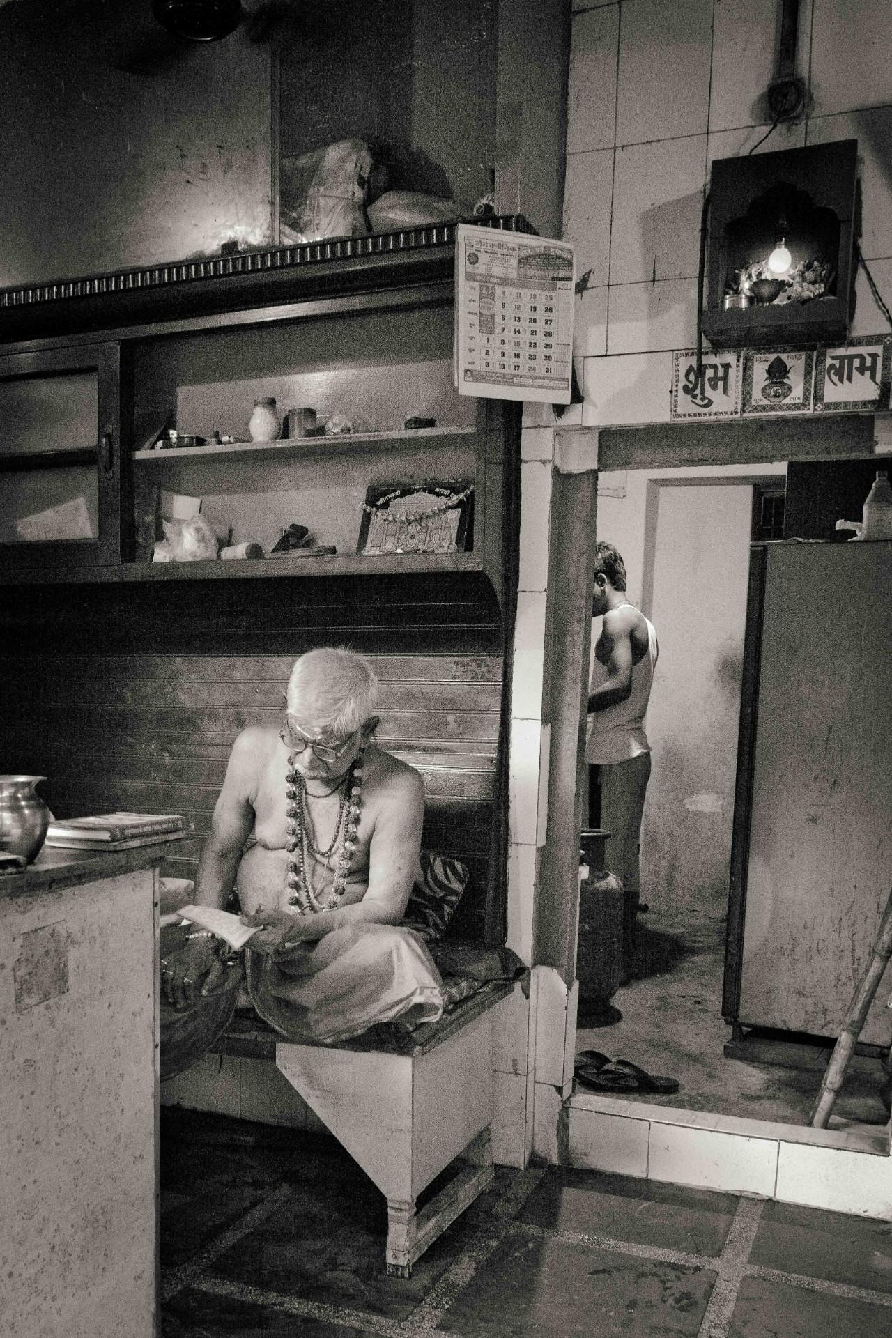 Varanasi-web-32-opt-18